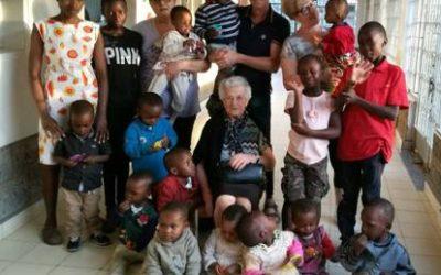 Nonna Irma: parte da sola in missione per il Kenya a 93 anni